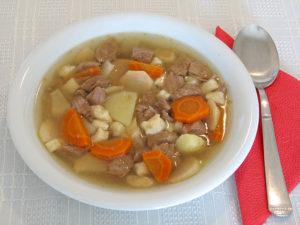 640px-Hungarian_goulash_soup